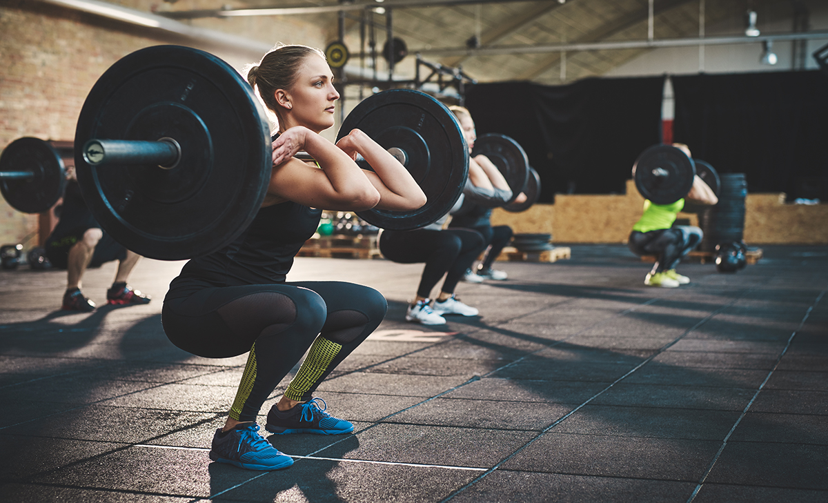 1200-woman-lifting-heavy-weights