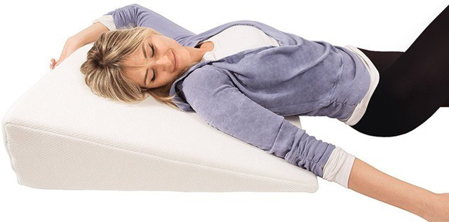 happily-sleeping-with-wedge-pillow